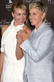LOS ANGELES - JUL 22:  Portia DeRossi & Ellen DeGeneres arrives at the Neil Lane Bridal Collection D