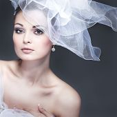 Portrait of beautiful Bride. Brautkleid. Hochzeitsdekoration