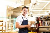 foto of waiter  - Coffeeshop  - JPG