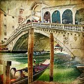 picture of gondolier  - colors of Venice  - JPG