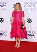 LOS ANGELES - JAN 07:   Kristen Bell arrives to the People's Choice Awards 2014  on January 7, 2015 in Los Angeles, CA