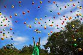 Juggling Wonder - Boy Keeps Balls In Air With Magic