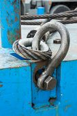Bolt Anchor Shackle And Wire Rope Sling