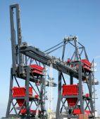Crane Transshipment