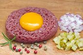 Beef raw tartare with yolk