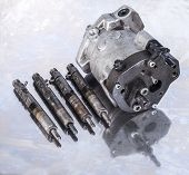 Fuel Injection Pump With Injectors.