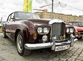 Retro Bentley