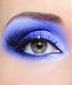 Blue Fashion Make-up von Frau Auge