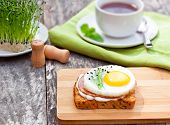 picture of chive  - healthy egg sandwich with garlic chives and tea - JPG