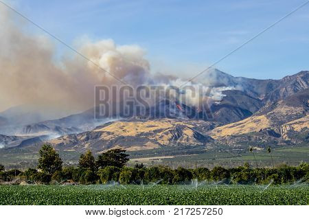 Helicopters fight wildfire