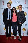 LOS ANGELES - MAR 26:  Joel McHale, Victoria Justice, Giuliana Rancic arrives at  the