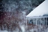Eiszapfen und Schneesturm