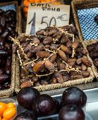 Dates at the market stall