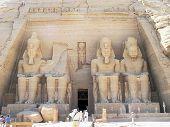 Постер, плакат: Фараон Рамсес II статуи Египет