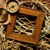 Retro Frame auf altes Seil und Angeln net und Holz Brett
