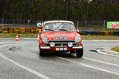 Leiria, Portugal - 20 de abril: Carlos Marouco dirige um Ford Cortina Gt durante um dia de Rally Verde P