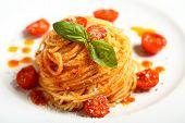 espaguete massa italiana com molho de tomate