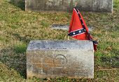 picture of confederation  - Old confederate tombstone gravestone with a Confederate Flag - JPG