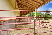 Horse Barn With Outside Stable