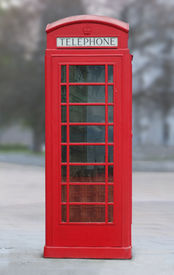 picture of phone-booth  - red London phone booth - JPG