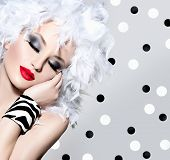 pic of feathers  - Beauty Fashion Model Girl with White Feathers Hair style and bright make up - JPG
