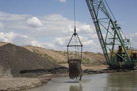 image of dredge  - Career dredge on extraction of gravel  - JPG