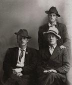 Vintage 1919 men
