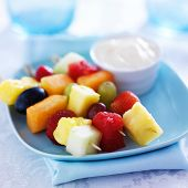 kids food - fruit kabob skewers with yogurt dip