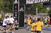 Kinder-Marathon Rennen laufen