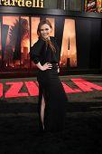 LOS ANGELES - MAY 8:  Elizabeth Olsen at the