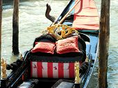pic of rudder  - The gondola is a traditional flat - JPG
