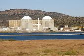 Nuclear power station with two atomic reactors