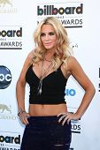 LOS ANGELES -  MAY 19:  Jenny McCarthy arrives at the Billboard Music Awards 2013 at the MGM Grand G
