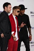 LOS ANGELES - DEC 18:  Scooter Braun, Justin Bieber, Usher at the