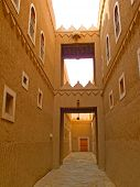 picture of riyadh  - Narrow street of the old Riyadh - JPG