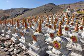 Buddhistische Stupas (Chorten) in Tibet
