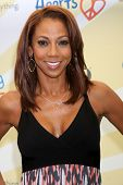 LOS ANGELES - JUN 14:  Holly Robinson Peete at the Children Mending Hearts 6th Annual Fundraiser at