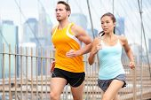 pic of brooklyn bridge  - Running couple jogging training for New York marathon - JPG