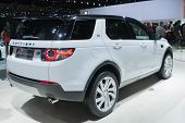 Land Rover Discovery 2015 on display