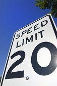 Sinal de limite de velocidade 20