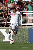 PASADENA, CA - JULY 7: Alberto Quintero #19 of Panama during the 2013 CONCACAF Gold Cup game between