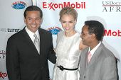 Antonio Villaraigosa with Jessica Alba and Ted Alemayhu at the The First Ladies of Africa Health Summit. Beverly Hilton, Beverly Hills, CA. 04-21-09