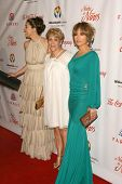 Jennifer Lopez with her sister and her mother at the 2009 Noche De Ninos Gala. Beverly Hilton Hotel,