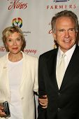 Annette Bening and Warren Beatty  at the 2009 Noche De Ninos Gala. Beverly Hilton Hotel, Beverly Hil