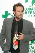Luke Perry  at Global Green USA's 13th Annual Millennium Awards. Fairmont Miramar Hotel, Santa Monica, CA. 05-30-09