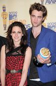 Kristen Stewart and Robert Pattinson  in the Press Room at the 2009 MTV Movie Awards. Gibson Amphitheatre, Universal City, CA. 05-31-09