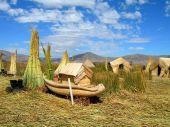 Indios Uros-Titicaca lake-Puno Perú