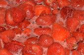 strawberry jam cooking