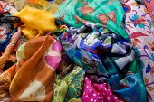 pic of batik  - Asian shop for colorful and soft fabrics batik - JPG