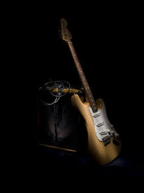 picture of pignose  - Electric Guitar and Amplifier using light painting - JPG